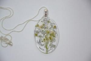 Collana con pendente in resina 'Floral snow'